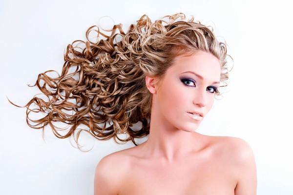 kudrnate vlasy