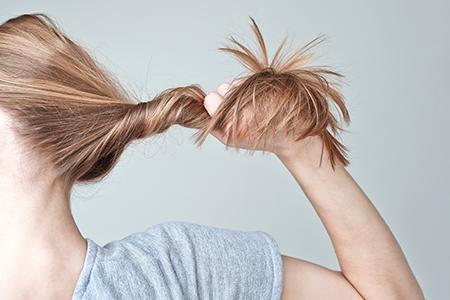 Najlepšie prípravky proti vypadávaniu vlasov