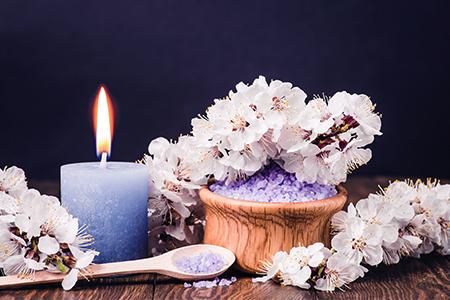 Domáce parfémy II: Od čias pachu k vôni katalytickej lampy