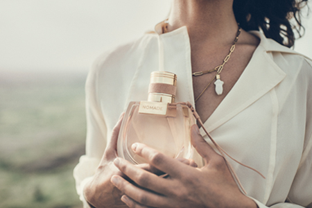 Nový dámsky parfém Chloé Nomade: vôňa plná dobrodružstva